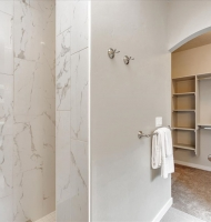 22-Master-Shower-to-Closet